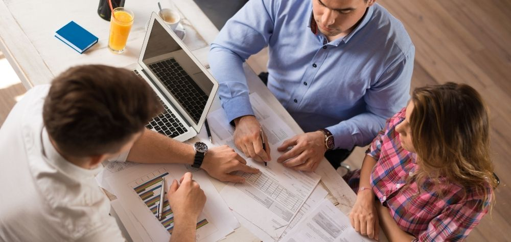 Why You Need To Consider Your Options When It Comes To Financial Advisers